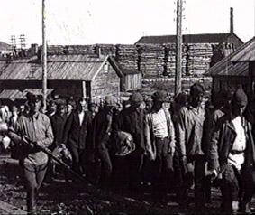 Fangene ble satt til hard arbeidstejeneste